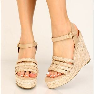 Shoes - New Natural color Wedges